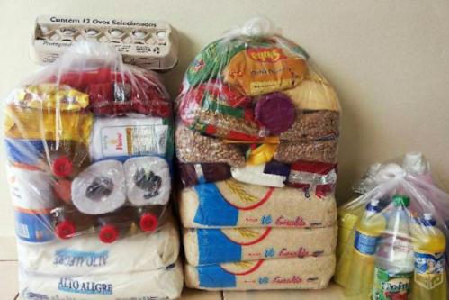 Divulgada a lista com famílias que vão receber cestas básicas