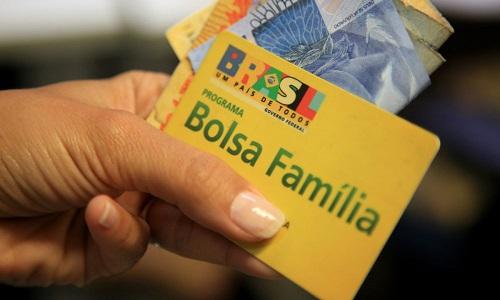Mais de 14 milhões de famílias recebem o Bolsa Família em agosto