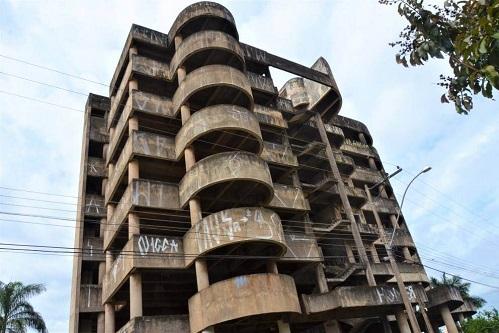 Prefeitura implanta segurança em prédio do Jardim Lima