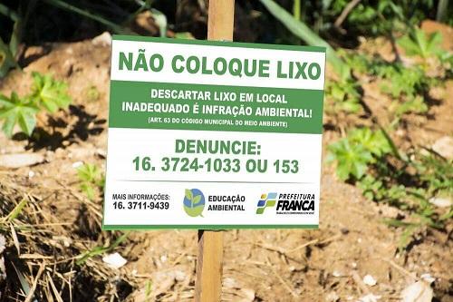 Meio Ambiente realiza limpeza e desocupação na APP do Bonsucesso