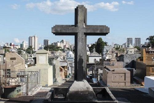 Cemitérios de Franca têm novo horário de funcionamento