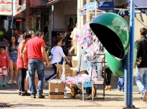 ACIF cobra Prefeitura e pede fiscalização no comércio ambulante em Franca