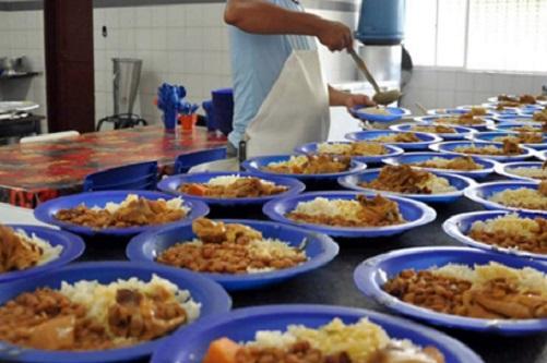 Escolas estaduais seguem abertas para alimentação durante a fase emergencial