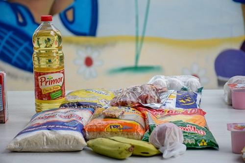 Educação realiza distribuição de Kits de alimentos nas escolas