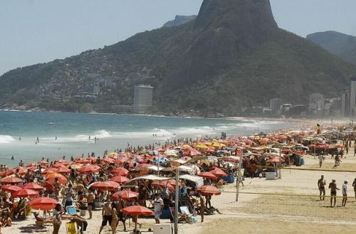 Turismo brasileiro registra queda de 54,5% em abril, aponta IBGE