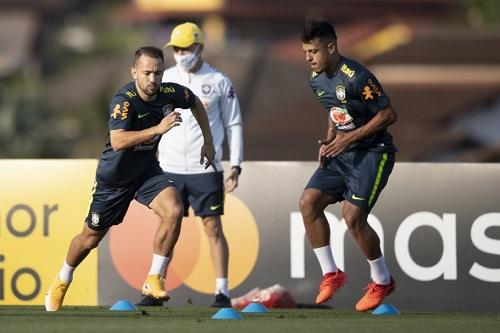 De olho na Bolívia, Seleção Brasileira faz primeiro treino na Granja Comary