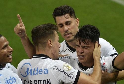Corinthians supera Bahia e volta a vencer pelo Brasileirão