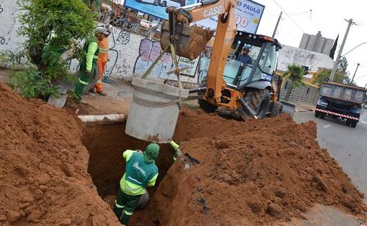 Obras avançam na avenida Alonso y Alonso com interdição parcial