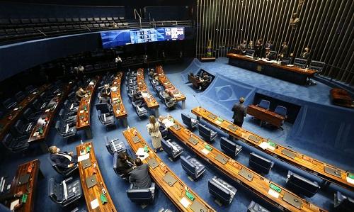Senado aprova PEC Emergencial, que possibilita volta do auxílio emergencial