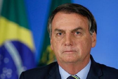 Bolsonaro sanciona lei que institui programa Casa Verde e Amarela