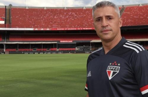 Hernán Crespo desembarca em São Paulo e conhece o Morumbi