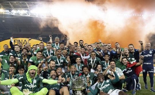 Palmeiras vence Grêmio e conquista quarto título da Copa do Brasil