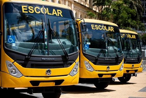 Educação SP entrega ônibus para o transporte escolar na região de Franca