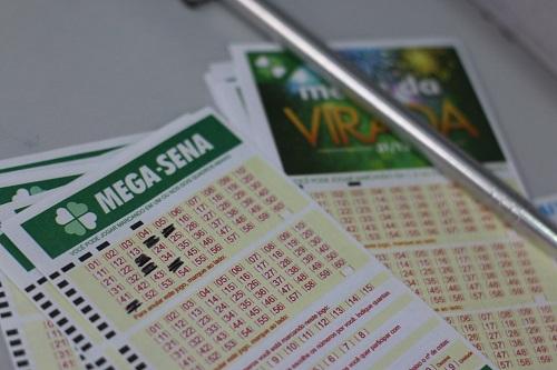 Mega-Sena acumula e terá sorteio com prêmio de R$ 50 milhões