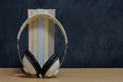 Governo de SP realiza cursos à distância de Audiodescrição e Orientação e Mobilidade