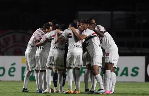 São Paulo precisa vencer Flamengo para garantir vaga direta na Libertadores
