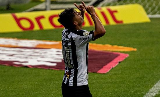Atlético-MG atropela São Paulo e volta vencer pelo Brasileirão
