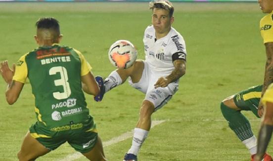 Libertadores: com gol nos acréscimos, Santos vence Defensa y Justicia