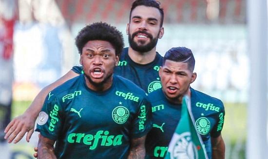 Palmeiras vence clássico contra o Santos e avança para o G4 do Brasileirão