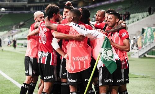 São Paulo vence Palmeiras e encerra longo tabu no estadual