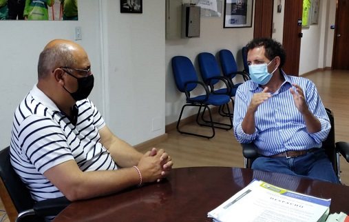 Prefeito Gilson de Souza recebe Alexandre Ferreira para transição de governos