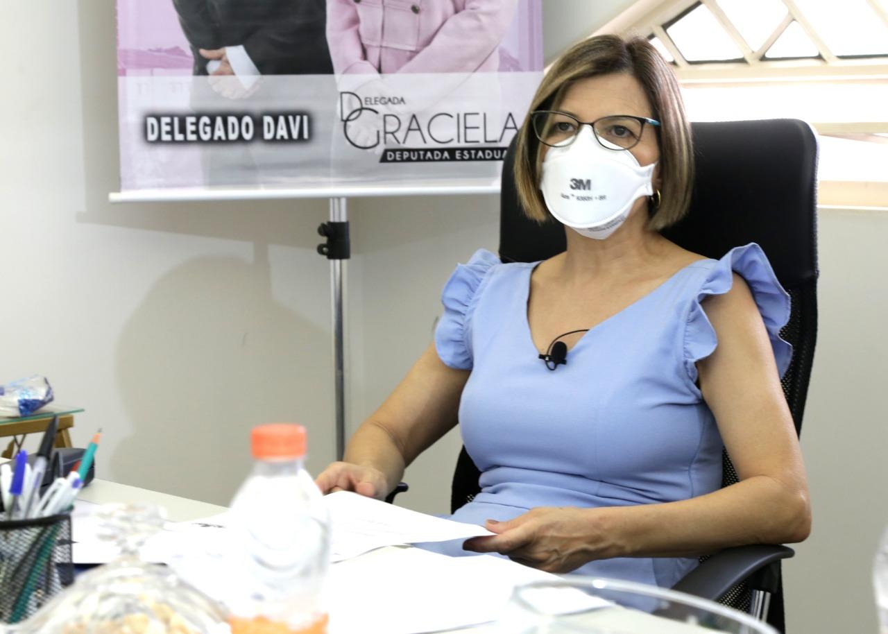 Profissionais de beleza vão ajudar a combater a violência contra mulher