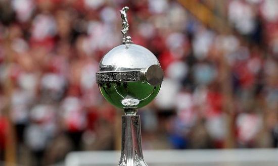 Libertadores retorna nesta terça com Athletico-PR e Santos em campo